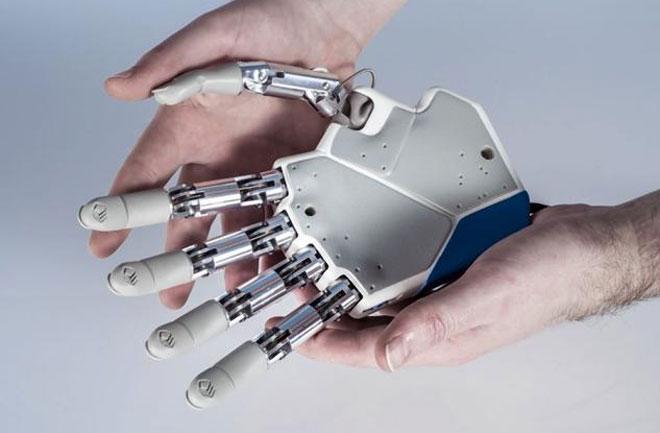 bionic-hand-660