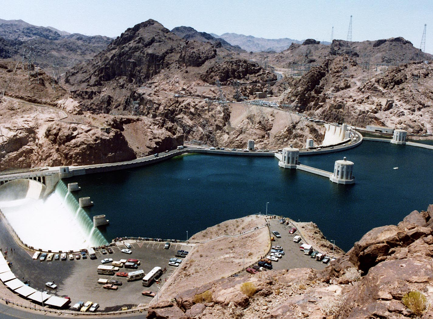 Hoover_Dam_and_Arizona_Spillway,_1983