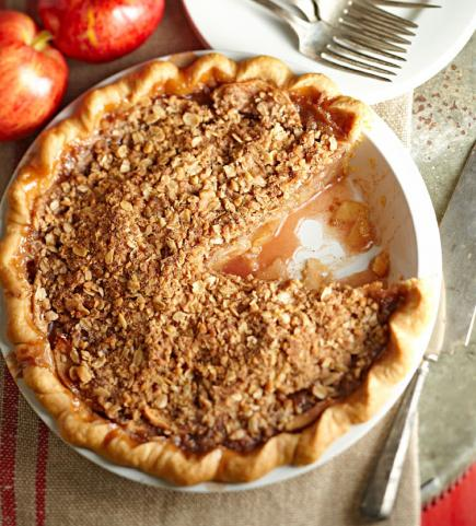 crumb-topped-apple-trio-pie-101702104_w_0