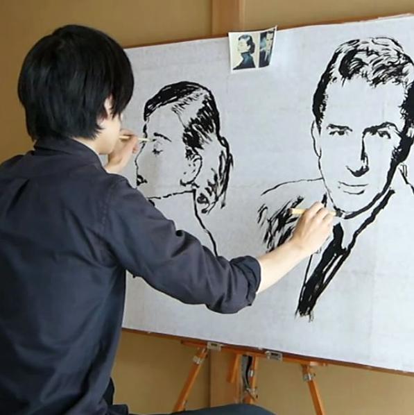 Ambidextrous artist @toru.kn